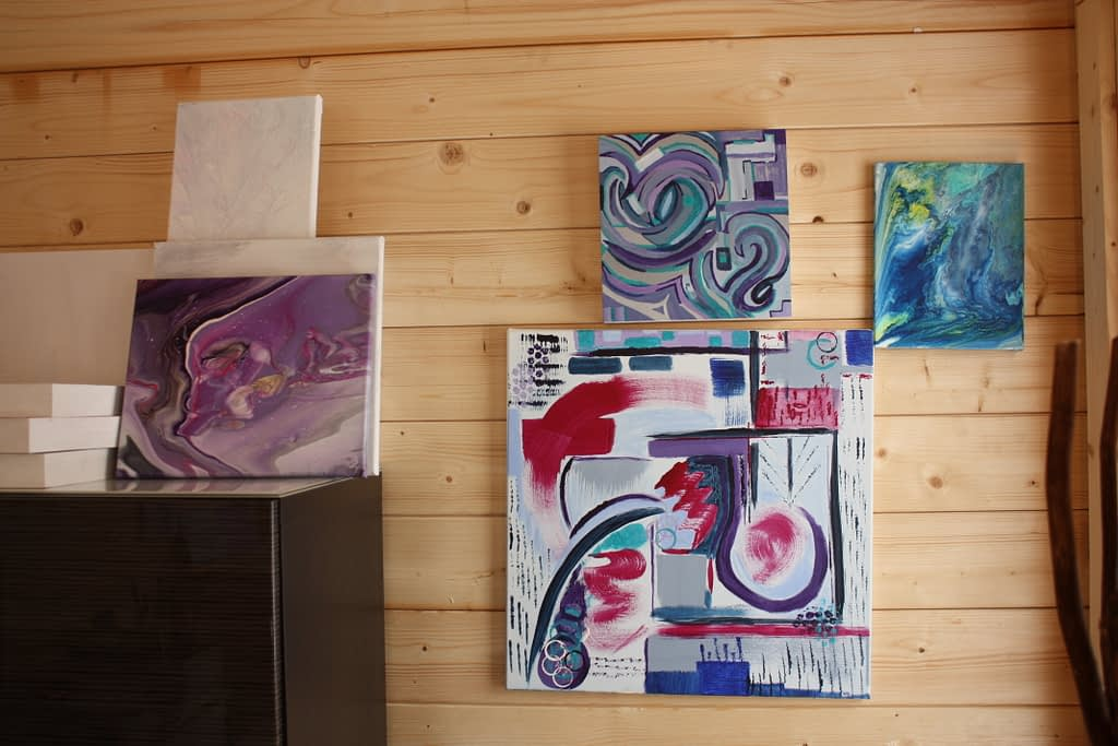 Acrylic Paintings and Pours by Lyn Pettigrew